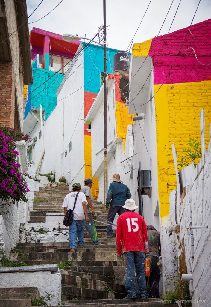 german-street-artists-paint-200-mexican-homes-3