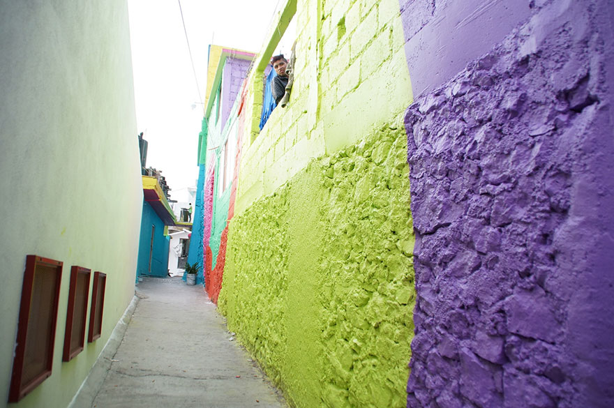 german-street-artists-paint-200-mexican-homes-8